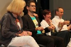 Bernhard Bentgens, Iris Krämer, Marcus Kölmel, Verena Mohnke, Uwe Maschke beim Glöckchenspiel