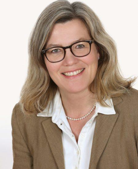 Claudia Bös